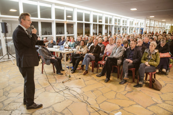 Ulrich von Kirchbach Treffen für Flüchtlinge Geflüchtete