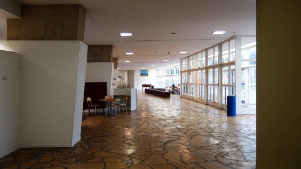 stadthalle-freiburg-fluechtlinge-unterkunft-2